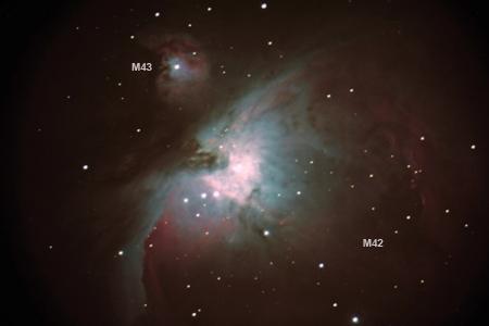 M43, la petite nébuleuse en haut à gauche de M42
